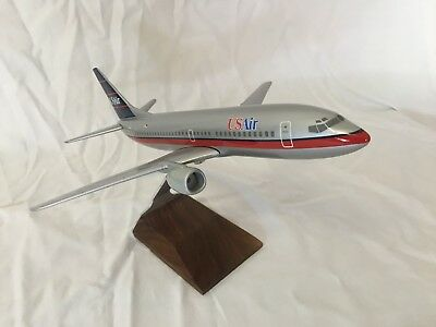 "AIRCRAFT MODEL US AIRWAYS BOEING 737-300  (Wingspan: 12"" Length: 14"")"