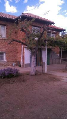 House For Sale in Bulgaria With Yard 1400m2