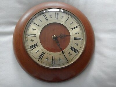 vintage wall clock Round Wood surround Gold face 1989 Very good Condition
