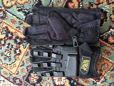 Adults Black And Navy Delta Force Paintball Gloves Excellent Condition Worn Once