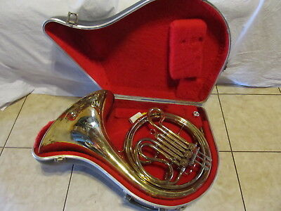 """""""Eastern"""" Single French Horn with Mouthpiece and Hard Case"""