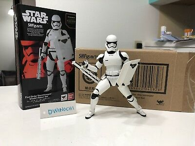 S.H.Figuarts First Order Stormtrooper (Shield & Baton Set) NEW