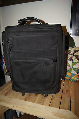 Briggs and Riley Travelware Tote Business Case Travel Bag Carry On Luggage Black
