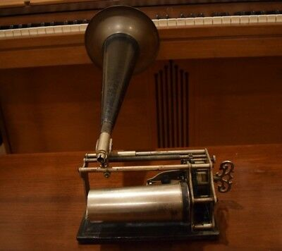 Antique Type Q Key Wind Cylinder Phonograph By American Graphophone Company