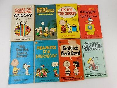 Lot Of 8 Vintage Charlie Brown Peanuts Paperback Books Charles Schulz Snoopy