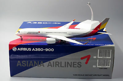 Asiana Airlines A350-900 Flap Down version JC Wings 1:200 Diecast models LH2054A