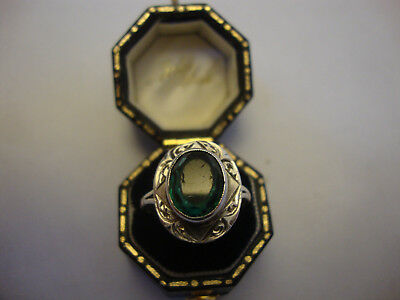 Old vintage antique art deco style silver ring green stone set engraved pattern