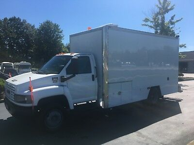 2007 Gmc 5500 Utility Service Truck Shower Truck Toy Hualer Or Camper Only 22K