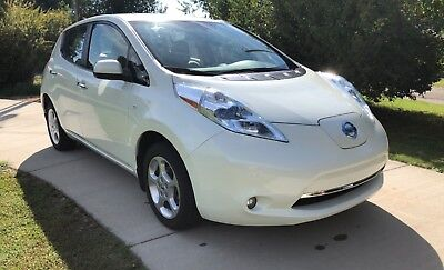 2011 Nissan Leaf SL 2011 Nissan Leaf SL 35k miles 1 Owner Navigation and Backup Camera