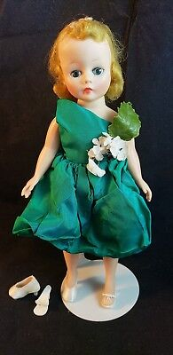 "Vintage Madame Alexander  CISSETTE  9"" Green Dress Extra Shoes (Not Tagged)"