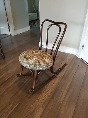 Antique Jacob & Joseph Kohn, Wien Bentwood rocking chair rare Austria authentic