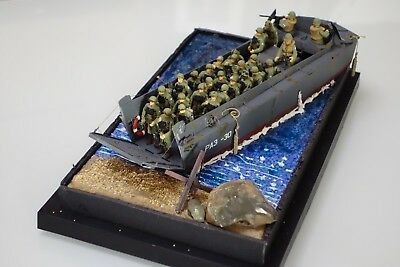 1/35 1:35 BUILT Italari LCVP D-Day Normandy 70 years with BASE