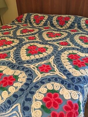 Vintage Chenille  Bedspread ~ Beautiful Colors ~ Hearts & Curly-Q's ~ nice!