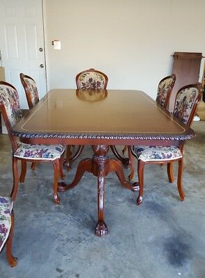 Dining mahogany table with 6 upholstered chairs
