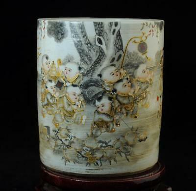 Chinese Old Hand-Made Pastel Porcelain Children At Play Design Brush Pot C01