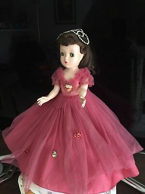 Vintage Madame Alexander - Binnie / Winnie Story Princess, cissy face mold. 1950