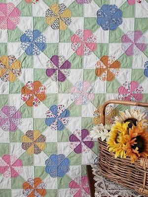 Vintage Cottage c1930 Hearts & Gizzards QUILT Beautiful Feedsack Prints 91x81