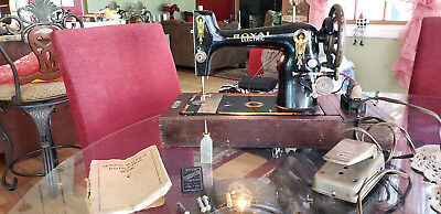 ANTIQUE ROYAL ELECTRIC SEWING MACHINE w/CASE & ACCESSORIES ~ NICE & WORKING