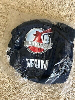 BRAND NEW Carnival Choose Fun VIFP Insulated Beach Bag / Cooler with Strap