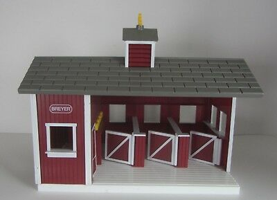 Bryer Stablemates Red Stable Horse Barn