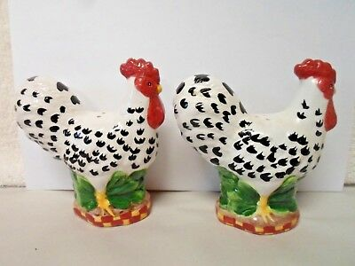 Vintage  *Ceramic Rooster Shaped Salt & Pepper Shakers *