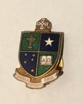Vintage St Kevin's College Melbourne Collar Enamel Badge #825 Made By Stokes