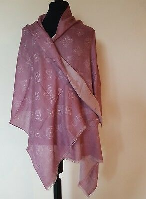 AUTHENTIC LOUIS VUITTON Pink Monogram Logo Cashmere   Silk Scarf Shawl Wrap a1813300cd8
