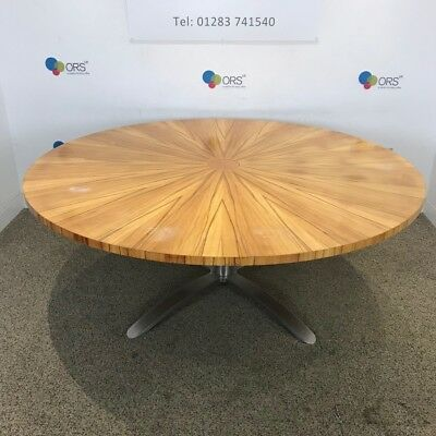 Tiger Striped Veneer Round Meeting Conference Table 1800mm Cable Managed