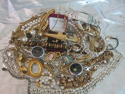 10Lb Costume Jewelry Lot Wear/repair Rhinestones Coins Way More Than Shown Lot X