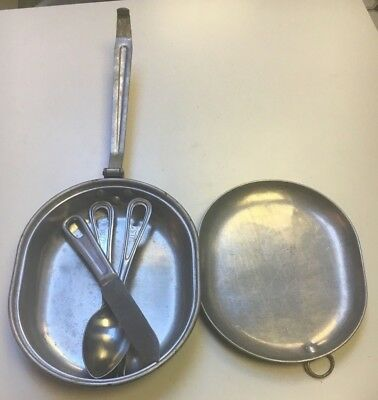 WW1 and WW2 U.S. G.M.L 1918 original Mess kit with 1945 Utensils
