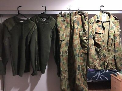 Aust Army 1990s DPCU And Howard Green Jumper