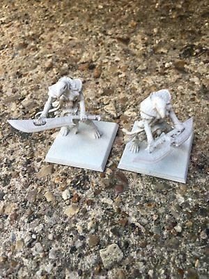 Games Workshop Warhammer Fantasy Tomb Kings Ushabti with Great Weapons Primed