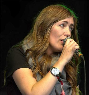 Jacqui Abbott A4 Photo 7