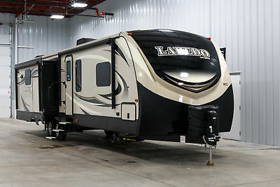 New Keystone Laredo 335Mk 3 Slide Luxury Rear Kitchen King Bed Slide Camper Rv