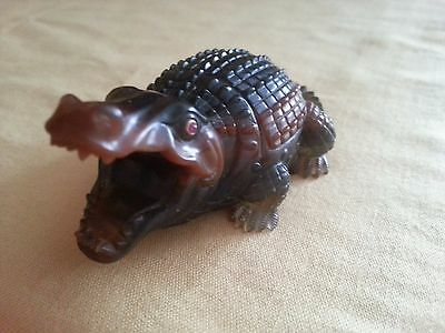 RUSSIAN HARDSTONE CHALCEDONY CROCODILE RUBY EYE FIGURE FIGURINE 82 gr