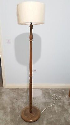 Antique style carved standard lamp / floor standing lamp Cream shade - working