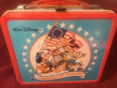 """Walt Disney's 1976 """"America on Parade"""" - Metal Lunchbox by Aladdin-MADE IN USA!!"""