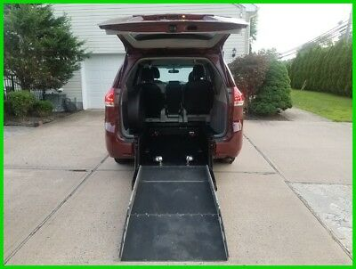2014 Toyota Sienna LE V6 8 Passenger VAN WHEELCHAIR HANDICAP REAR ENTRY 2014 LE V6 8 Passenger Used 3.5L