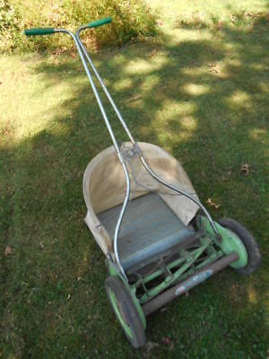 Antique SAVAGE SUPERCHIEF Reel Mower w Grass Catcher/Vintage Manual Push Mower