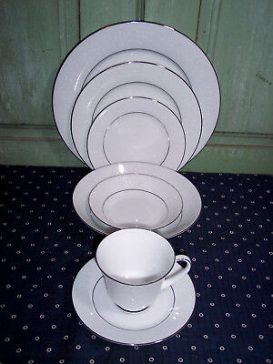 Noritake Tahoe 2585 7Pc Place Setting Mint Condition