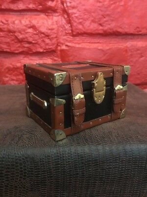 TITANIC Limited Edition Movie Photo Card Set in Miniature Steamer Trunk O2