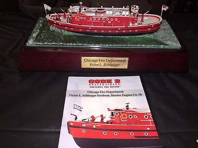 Code 3 Collectables Chicago Fire Department Fire Boat 1/136th scale With Cert.