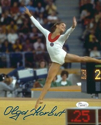 OLGA KORBUT SIGNED 8x10 PHOTO - UACC & AFTAL RD AUTOGRAPH - OLYMPIC GOLD