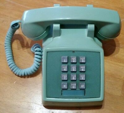 1970s VINTAGE WESTERN ELECTRIC TOUCH TONE DESK PHONE IN AVOCADO GREEN EXC COND