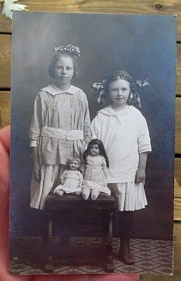 ca 1910 GIRLS WITH ANTIQUE FRENCH DOLL OR GERMAN DOLL REAL PHOTO POSTCARD RPPC