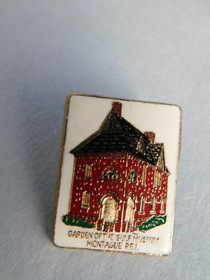 Garden Of The Gulf Museum Montague Pei   Pin Vintage Souvenir Canada Button