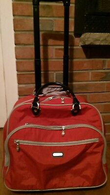 Baggallini Large Travel Bag Luggage Rolling Tote Carry On Red Nylon Pull Guc