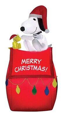 Gemmy  Airblown Snoopy On House With Banner And Lights  Christmas Decoration  1