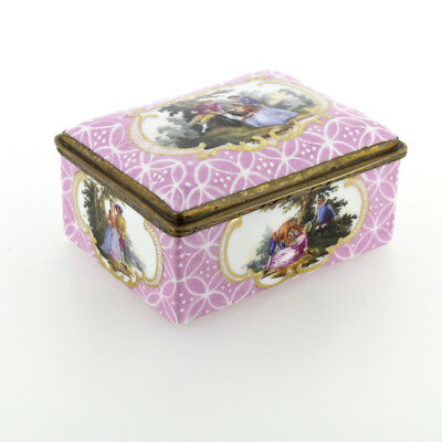 Antique Pink Ground Enamel Table Snuff or Trinket Box - Battersea Bilston VR