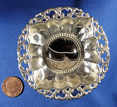SMALL PIERCED SILVER PIN DISH with ROUND AGATE CABOCHON CENTRE, BIRMINGHAM 1904